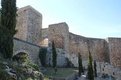 Mejora Medioambiental del entorno de la Muralla del Castillo y modernización de la zona como aparcamiento